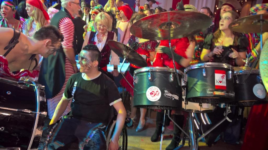Karneval-2016-Freitag-Guerzenich-04